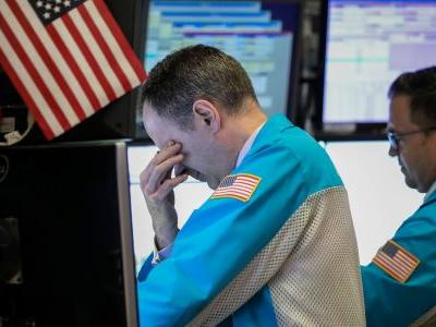 The world's biggest stock bear blasts a glaring investor mistake that could lead to years of losses - and explains why even the Fed will be powerless to stop a crash