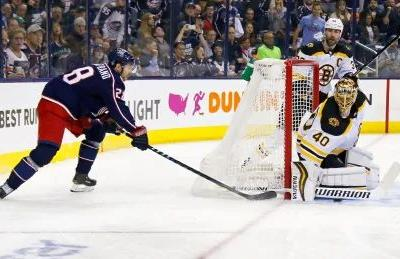 Bruins show their playoff battle-tested selves in tying series 2-2