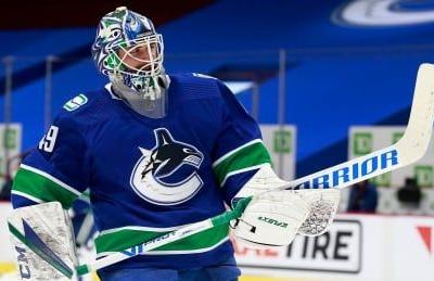 Puck drops in Canucks' 1st game back from COVID-19 outbreak