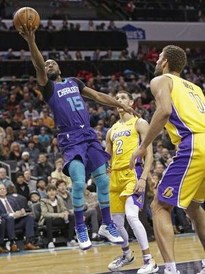 Ball sits, Clarkson scores as Lakers beat Hornets 110-99