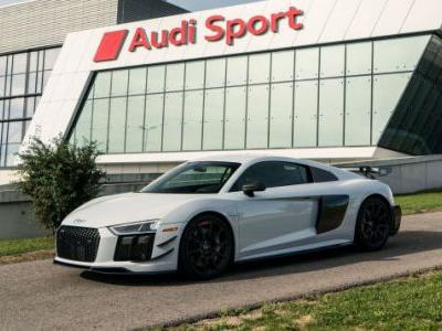 The Rare 2018 Audi R8 V10 Competition Package Is 28 Pounds Lighter, $40,000 More Expensive