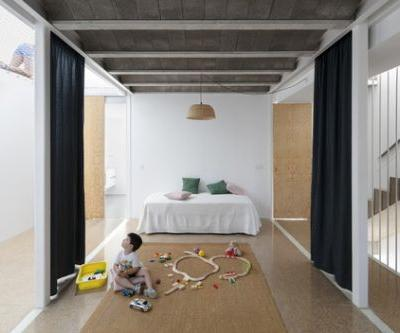 Curtains as Room Dividers: Towards a Fluid and Adaptable Architecture