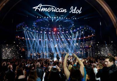 "ABC reportedly inks deal to bring back ""American Idol"""