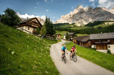 Telegraph Travel Awards 2017: win a cycling holiday in the Dolomites for eight people worth £24,000