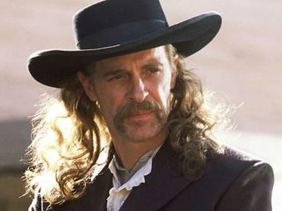 Deadwood: 10 Hidden Details About The Main Characters Everyone Missed
