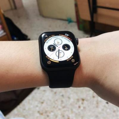 First Impressions From New Apple Watch Series 4 Owners