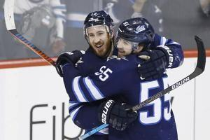 Hayes scores 1st goal with Jets in victory over Predators