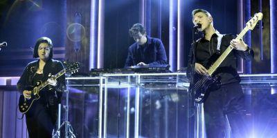 "Watch the xx Perform ""Say Something Loving"" on ""Fallon"""