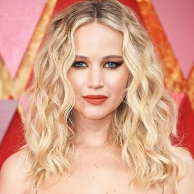 Jennifer Lawrence Opens Up About Her Sex Life-and STIs