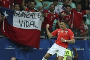Chile beats Ecuador 2-1 to reach Copa America quarterfinals