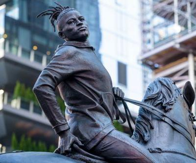 Kehinde Wiley Subverts Confederate Monuments with First Public Sculpture in Times Square