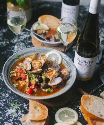 Portuguese-Spiced Clams and Vinho Verde Wines