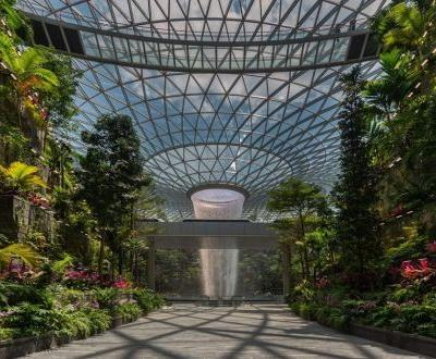 Moshe Safdie, the architect changing the face of Singapore's skyline