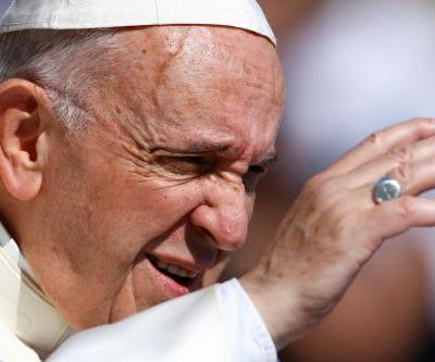 Pope Francis criticizes policy of migrant family separation