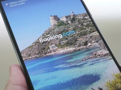 Users are seeing 'Booking' ads on Huawei smartphone lockscreens