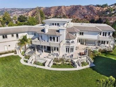 A 20-year-old YouTube star just bought a $6.9 million mansion - take a look inside