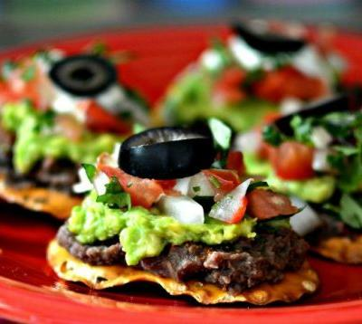 These 9 Tiny Top-Rated Appetizers Make a Mini Mexi Feast