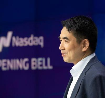 Zoom's stock soared in the video-conferencing company's public trading debut, making CEO Eric Yuan a billionaire