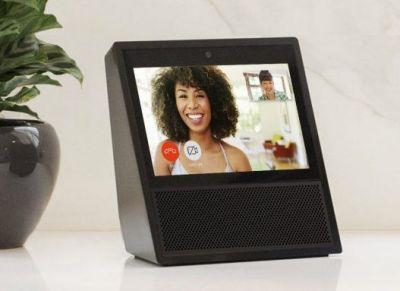 Amazon Echo Show gives Alexa a screen and free video calls