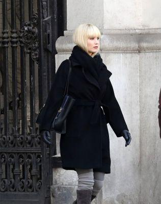 Jennifer Lawrence Got White Bangs and Looks Unrecognizable