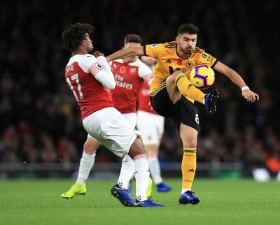 Arsenal equalizes late in 1-1 draw with Wolves in EPL