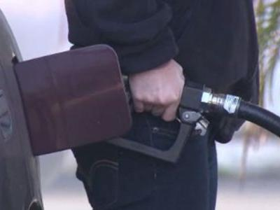 Gas prices drop nationally
