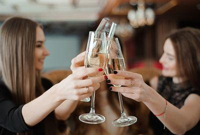 'Prosecco Smile' Is a Thing-Here's How To Avoid It