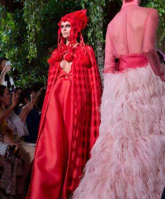 Valentino: Couture AW19