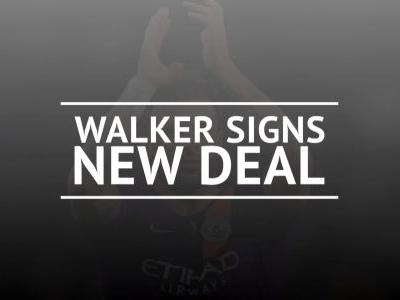Walker signs contract extension at Manchester City