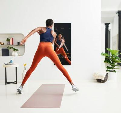 We tested the $1,500 mirror that streams exercise classes into your home and saw how it could upend the fitness world