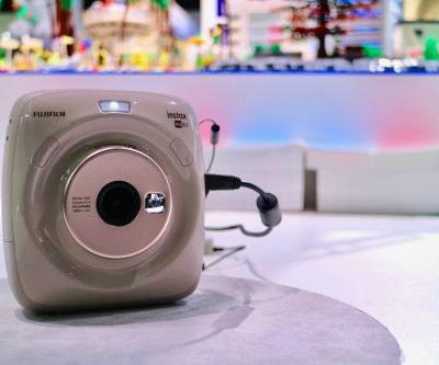 Fujifilm's Square SQ20 is an ideal modern instant camera