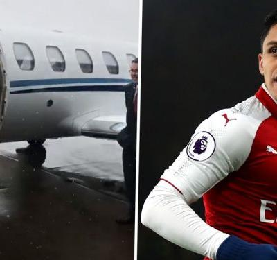 Alexis Sanchez jets off to undergo Manchester United medical