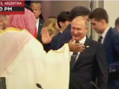 Putin enthusiastically high-fived the Saudi crown prince at the G20 summit