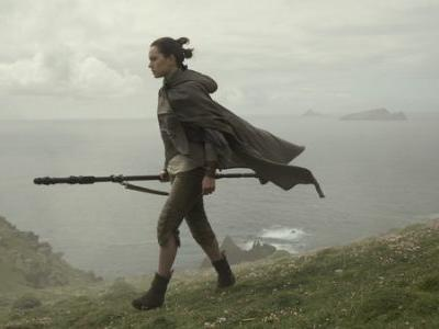 Rollicking 'Star Wars: The Last Jedi' Introduces Welcome Shades Of Rey