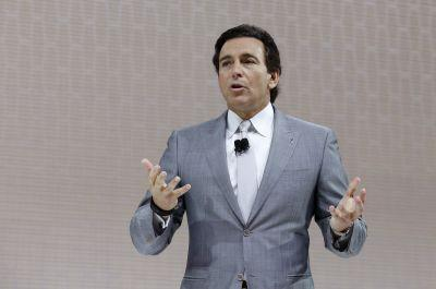 Ousted Ford CEO Mark Fields had the impossible job of pleasing two masters