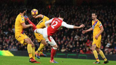 Arsenal 2 Crystal Palace 0: Giroud outdoes Mkhitaryan to send Gunners third