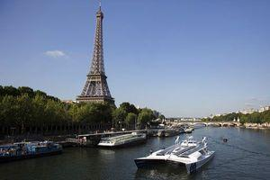 Self-fueling boat sets off from Paris on 6-year world trip
