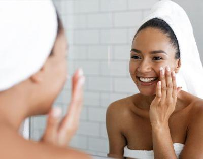 Pimple-Shrinking Hacks That Are Actually Derm-Approved