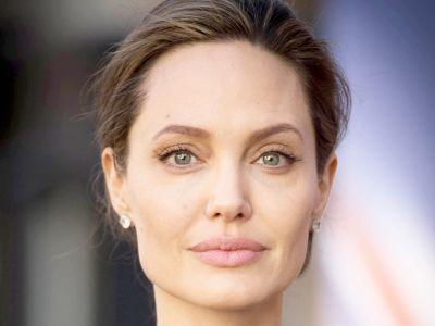 Angelina Jolie Reveals She Had Bell's Palsy