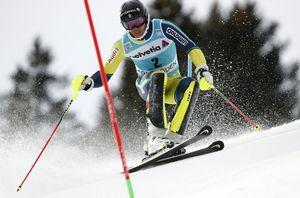 Marcel Hirscher leads again in 1st run of World Cup slalom