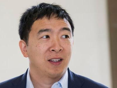 2020 candidate Andrew Yang promises to legalize marijuana and pardon all non-violent drug offenders on 4/20 if he's elected
