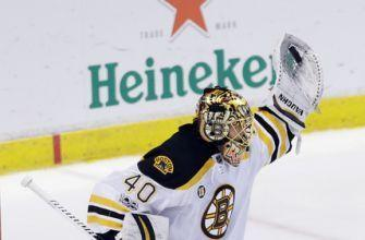 Bruins goalie Tuukka Rask out of game after puck hit mask