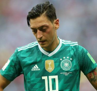 'He's been sh*t for years!' - Bayern chief welcomes Ozil's international retirement