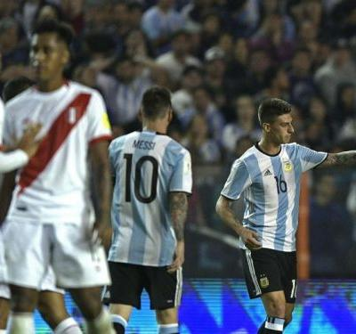 Gago ruptures ACL in Argentina draw