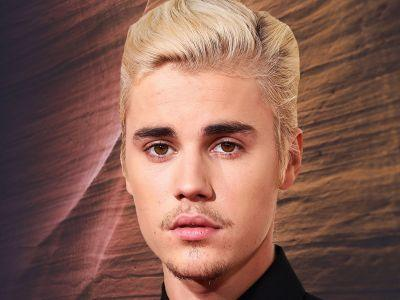 After Posting 25 Photos In An Hour, It's Clear Justin Bieber Needs A Social Media Manager ASAP