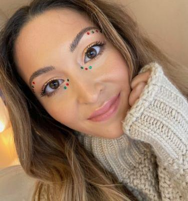 Tinsel Liner, Ornament Eyes & Other Holiday Makeup Trends You Have to See IRL