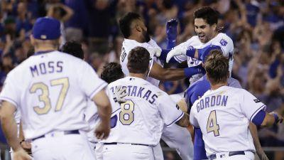 Osuna-less Blue Jays suffer ninth-inning nightmare against Royals