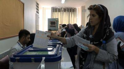 Rouhani takes strong lead in Iran's presidential election