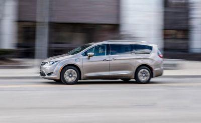 Shock Box: 2017 Chrysler Pacifica Hybrid Tested!