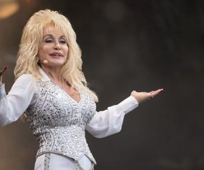 Thousands sign petition to replace Confederate statues in Tennessee with Dolly Parton